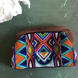 👜Beaded and wooden Clutch